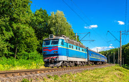 Επιβατική αμαξοστοιχία στην περιοχή του Κίεβου της Ουκρανίας Στοκ εικόνα με δικαίωμα ελεύθερης χρήσης