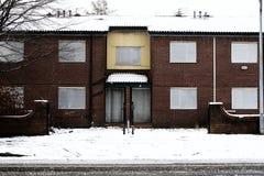 Επιβιβασμένος επάνω στην κατοικία που αναμένει την κατεδάφιση στοκ φωτογραφία