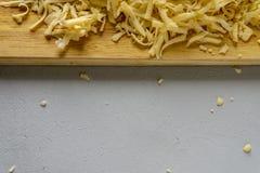 επιβιβαστείτε στο τυρί ξύ& στοκ φωτογραφία με δικαίωμα ελεύθερης χρήσης