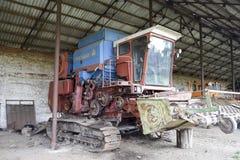 Επιγραφή ρυζιού Θεριστική μηχανή ρυζιού γεωργικά μηχανήματα που seeder η άνοιξη Στοκ Εικόνες