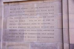 Επιγραφή στην είσοδο του αναμνηστικού μουσείου ολοκαυτώματος, στο Washington DC, των ΗΠΑ Στοκ Φωτογραφίες