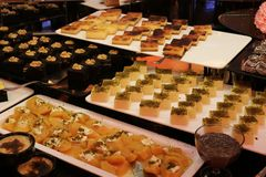 Επιδόρπιο και κέικ Τουρκικό επιδόρπιο Διάφορος τύπος επιδορπίου Στοκ φωτογραφία με δικαίωμα ελεύθερης χρήσης