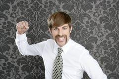 Επιθετικός αστείος αναδρομικός επιχειρηματίας mustache Στοκ Φωτογραφίες