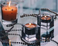 Επιθυμίες της καρδιάς - φω'τα κεριών διακοπών στοκ φωτογραφίες με δικαίωμα ελεύθερης χρήσης