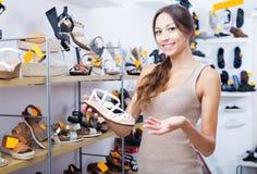 Επιθυμητό εκμετάλλευση παπούτσι γυναικών Στοκ Εικόνα