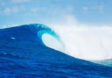 Επικά κύματα, τέλεια κυματωγή Στοκ Φωτογραφία