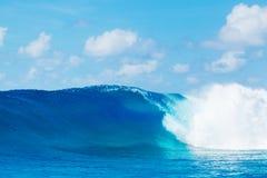 Επικά κύματα, τέλεια κυματωγή Στοκ εικόνα με δικαίωμα ελεύθερης χρήσης