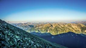 Επική άποψη πανοράματος ανατολής βουνών Στοκ Εικόνες