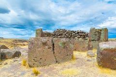 Επικήδειοι πύργοι και καταστροφές σε Sillustani, προϊστορικές καταστροφές του Περού, νότια Αμερική Inca κοντά σε Puno Στοκ εικόνες με δικαίωμα ελεύθερης χρήσης