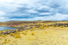 Επικήδειοι πύργοι και καταστροφές σε Sillustani, προϊστορικές καταστροφές του Περού, νότια Αμερική Inca κοντά σε Puno Στοκ εικόνα με δικαίωμα ελεύθερης χρήσης