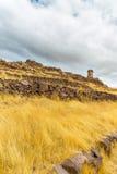 Επικήδειοι πύργοι σε Sillustani, προϊστορικές καταστροφές του Περού, νότια Αμερική Inca κοντά σε Puno, περιοχή Titicaca. Στοκ Εικόνες