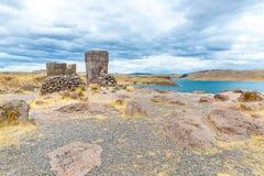 Επικήδειοι πύργοι σε Sillustani, προϊστορικές καταστροφές του Περού, νότια Αμερική Inca κοντά σε Puno Στοκ εικόνες με δικαίωμα ελεύθερης χρήσης