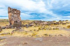 Επικήδειοι πύργοι σε Sillustani, προϊστορικές καταστροφές του Περού, νότια Αμερική Inca κοντά σε Puno Στοκ Εικόνες
