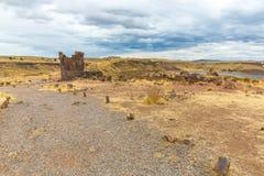 Επικήδειοι πύργοι σε Sillustani, προϊστορικές καταστροφές του Περού, νότια Αμερική Inca κοντά σε Puno, Titicaca Στοκ φωτογραφία με δικαίωμα ελεύθερης χρήσης