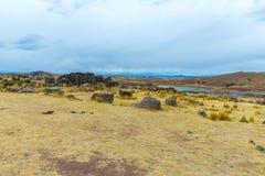 Επικήδειοι πύργοι σε Sillustani, προϊστορικές καταστροφές του Περού, νότια Αμερική Inca κοντά σε Puno, Titicaca Στοκ Φωτογραφία