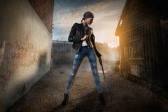 Επικίνδυνη γυναίκα ομορφιάς Στοκ φωτογραφίες με δικαίωμα ελεύθερης χρήσης