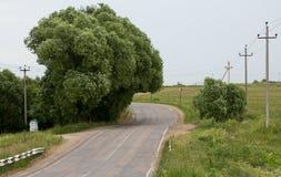 Επικίνδυνη κάμψη στο δρόμο στοκ φωτογραφία με δικαίωμα ελεύθερης χρήσης
