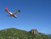 Επικίνδυνο αεροπλάνο που προσγειώνεται στον αερολιμένα ψαρονετών του ST Στοκ Εικόνες