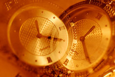 επικαλύπτοντας ρολόι δύ&omicro Στοκ Εικόνες
