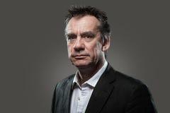 επικεφαλής υψηλό καλυμμένο άτομο κοστούμι επιχειρησιακής αντίθεσης Στοκ φωτογραφία με δικαίωμα ελεύθερης χρήσης