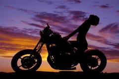 Επικεφαλής πλάτη τρόπων μοτοσικλετών γυναικών σκιαγραφιών Στοκ Εικόνες