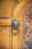 Επικεφαλής ρόπτρα πορτών λιονταριών, αρχαία ρόπτρα Στοκ εικόνες με δικαίωμα ελεύθερης χρήσης