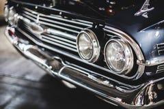 Επικεφαλής του παλαιών αυτοκινήτου και των φω'των Στοκ Εικόνες