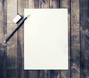 Επικεφαλίδα, μολύβι, γόμα Στοκ εικόνες με δικαίωμα ελεύθερης χρήσης