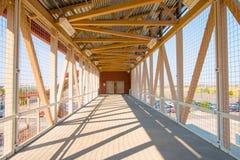Επικρατέστερη για τους πεζούς γέφυρα Στοκ Φωτογραφία