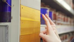 Επιλογή του χρώματος χρωμάτων για το ξύλο φιλμ μικρού μήκους