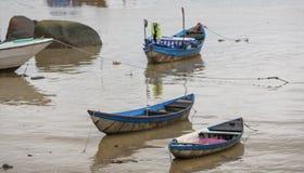 Επιπλέον χωριό στον κόλπο Halong, στοκ εικόνες