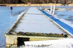 Επιπλέουσα γέφυρα το χειμώνα Στοκ Εικόνες