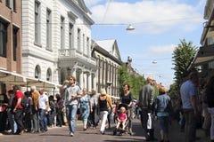 επισκέπτες αγοράς βιβλί&ome Στοκ φωτογραφία με δικαίωμα ελεύθερης χρήσης