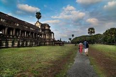 Επισκέπτες, Angkor Wat στην Καμπότζη Στοκ εικόνα με δικαίωμα ελεύθερης χρήσης