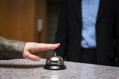 Επισκέπτης στο ξενοδοχείο Στοκ φωτογραφία με δικαίωμα ελεύθερης χρήσης