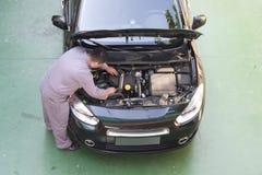 επισκευή ελέγχου αυτοκινήτων Στοκ Εικόνα