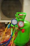 Επισκευή κλιματιστικών μηχανημάτων Στοκ Εικόνα
