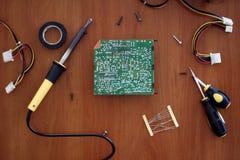 Επισκευή του πίνακα για την ηλεκτρονική στοκ εικόνα