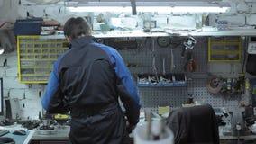 Επισκευαστής αξίας του πίνακα εργασίας του Αυτόματος μάγος επισκευής χώρου εργασίας φιλμ μικρού μήκους