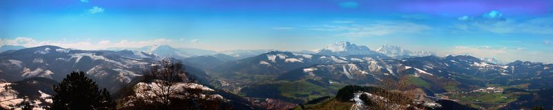 Επισκόπηση του τοπίου βουνών Guipuzcoan από Bergara στοκ εικόνα