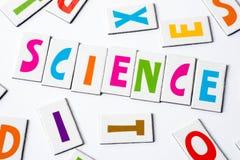 Επιστήμη λέξης φιαγμένη από ζωηρόχρωμες επιστολές Στοκ εικόνα με δικαίωμα ελεύθερης χρήσης