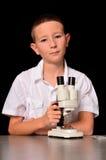 επιστήμονας αγοριών στοκ φωτογραφία με δικαίωμα ελεύθερης χρήσης