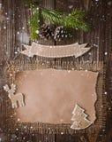 Επιστολή Χριστουγέννων, κατάλογος, συγχαρητήρια σε ένα ξύλινο υπόβαθρο ελεύθερου χώρου, νέο έτος προτύπων στοκ φωτογραφίες