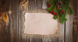 Επιστολή Χριστουγέννων, κατάλογος, συγχαρητήρια σε ένα ξύλινο υπόβαθρο ελεύθερου χώρου, νέο έτος προτύπων στοκ φωτογραφία με δικαίωμα ελεύθερης χρήσης