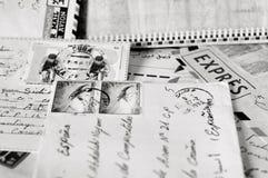 Επιστολές και γραμματόσημα στοκ εικόνες