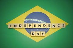 Επιστολές με τη ημέρα της ανεξαρτησίας κειμένων στη εθνική σημαία της Βραζιλίας Στοκ Εικόνες