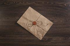 Επιστολή με τη σφραγίδα στον πίνακα Στοκ Εικόνες