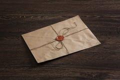 Επιστολή με τη σφραγίδα στον πίνακα Στοκ Φωτογραφία