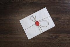 Επιστολή με τη σφραγίδα στον πίνακα Στοκ φωτογραφίες με δικαίωμα ελεύθερης χρήσης