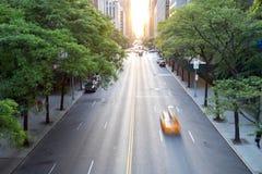 Επιτάχυνση ταξί πόλεων της Νέας Υόρκης κάτω από τη 42$η οδό σε της περιφέρειας του κέντρου Στοκ εικόνα με δικαίωμα ελεύθερης χρήσης